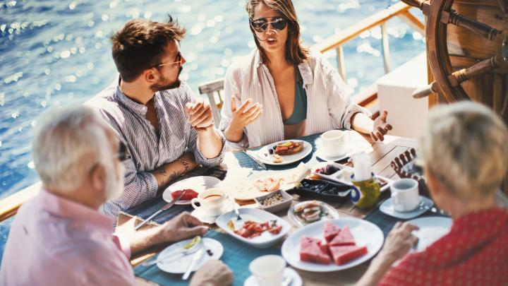 The Best Boat Snacks to Take on your Boat trip 🥨