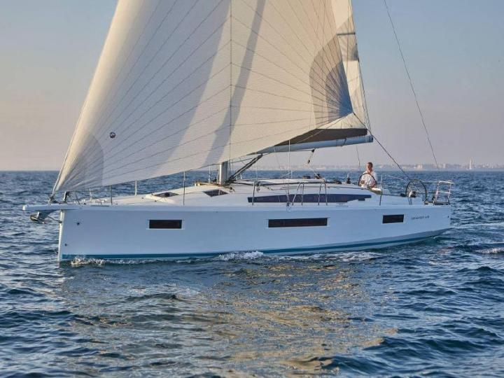 Outstanding and affordable sailboat for rent in Salerno, Italy. Realize your dream vacation on this yacht charter.