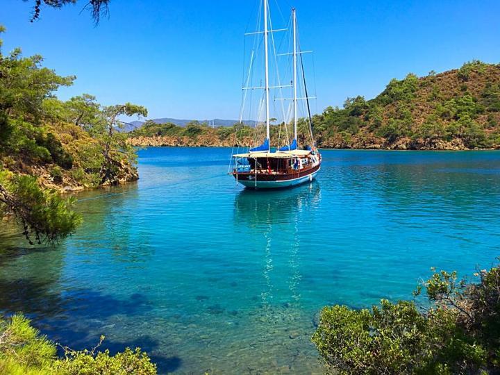"""Gullet charter in Bodrum, Turkey. Gullet """"Askim Deniz""""."""