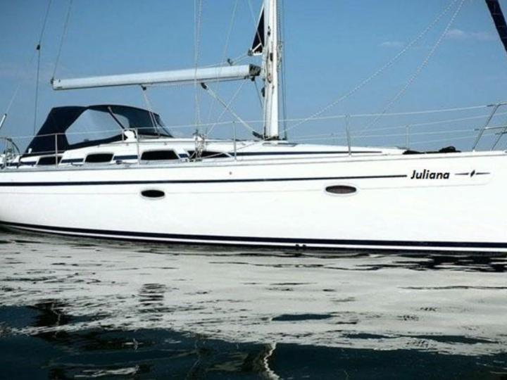 The perfect sailing yacht for rent in Alimos Athens, Greece!
