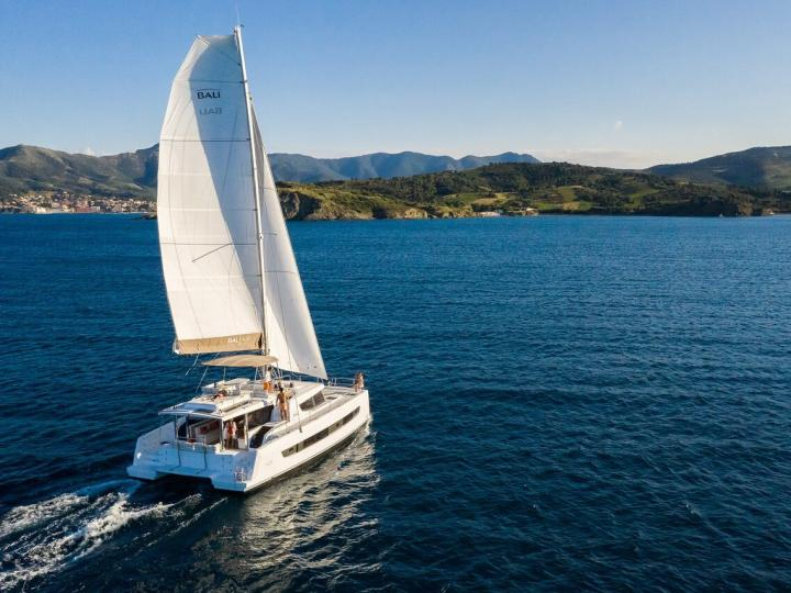 Catamaran boat for rent in Le Marin, Caribbean Netherlands for up to 12 guests - the SHANGHAI LI
