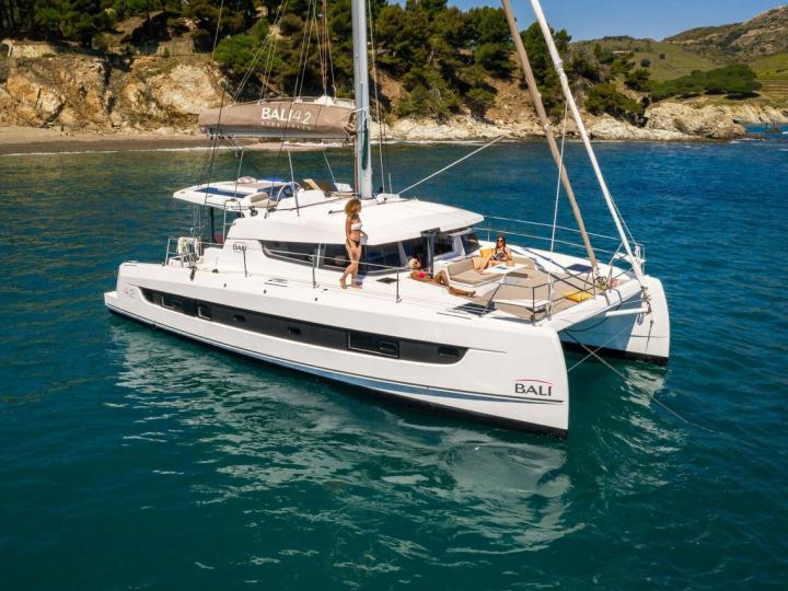 Catamaran rental in Le Marin, Caribbean Netherlands - book your sailing adventure!