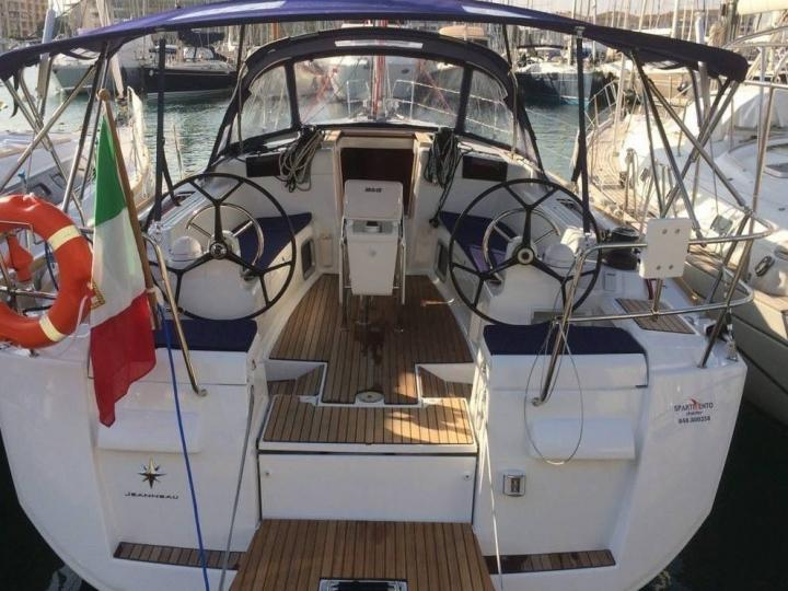 Rent a boat in Trapani, Sicily, Italy - the Kronos boat for 6 guests.