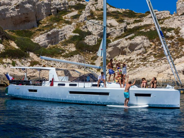 Private boat for rent in Athens, Greece for up to 12 guests.