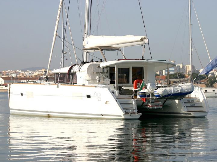 Affordable catamaran for rent in Faro, Portugal.