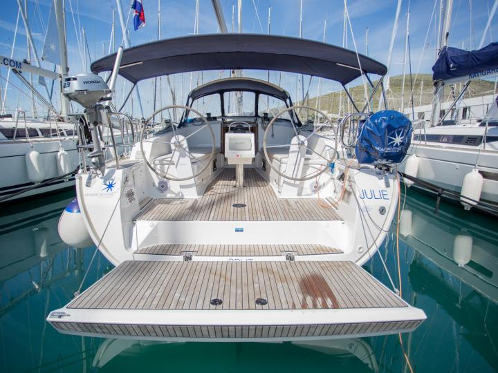 Discover sailing aboard the Julie boat for rent in Split, Croatia.