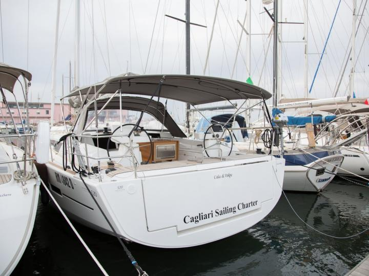 Marinella, Italy boat rental - discover vacation on a boat for up to 10 guests.