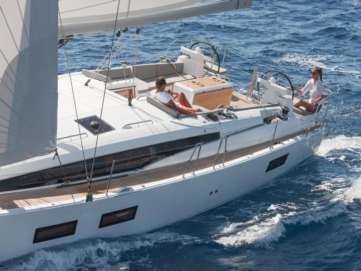 Sailboat rental in Newport, US - rent a sail boat.