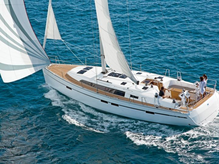 Yacht for rent in Agios Kosmas Marina, Athens  for up to 8 guests.