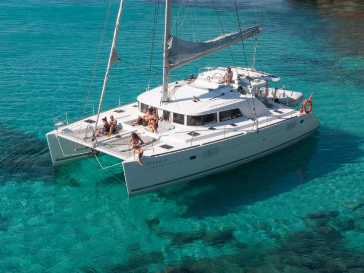 Relax and create your dream vacation on this catamaran for rent in Split, Croatia - the Blondie II.