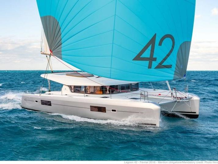 Cruise the beautiful waters of Key West, United States, aboard this great catamaran for rent.
