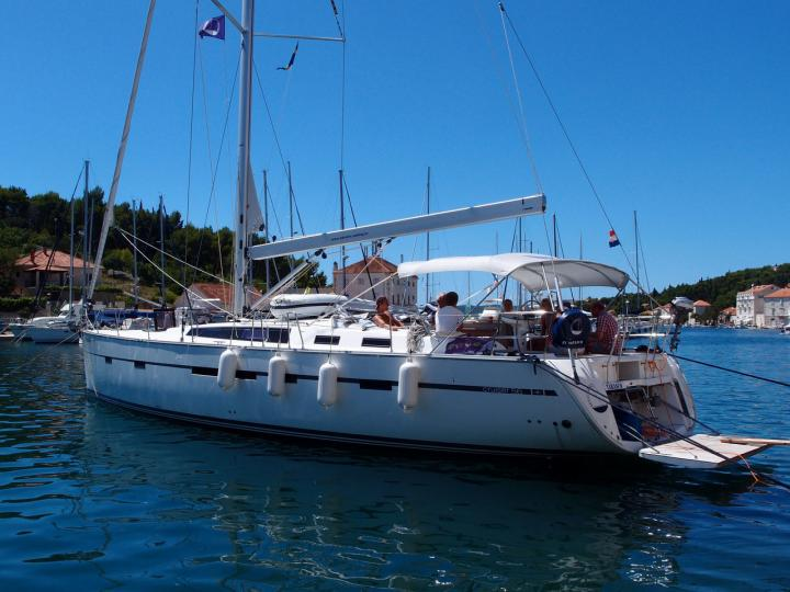 Beautiful boat for rent in Split, Croatia for up to 10 guests - book the EL TABASCO boat.