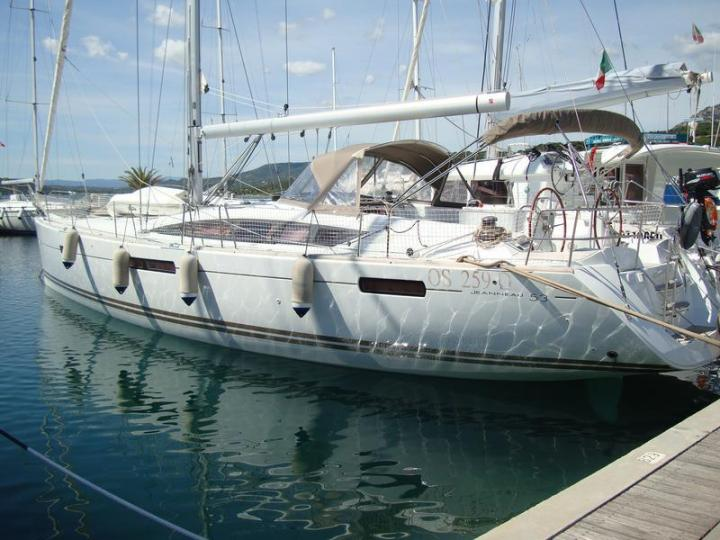 Portisco, Sardinia boat rental - discover family or friends vacation on a yacht charter for up to 10 guests.