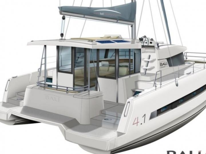 Sail on a beautiful 40ft Catamaran in Key West, United States - the ultimate vacation trip on a yacht charter.