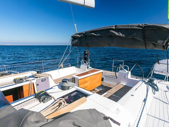 Affordable sail boat for rent in Portisco, Italy.