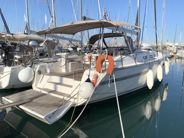 Book a great boat rental in Lavrio, Greece - the Nireas yacht charter.