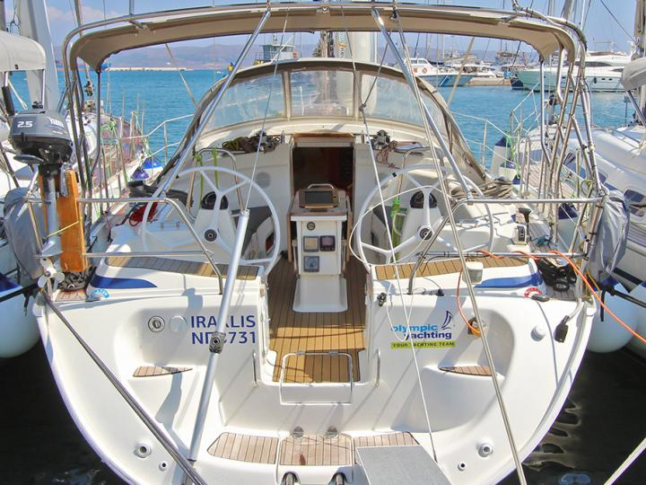 Great yacht charter in Lavrio, Greece, rent a sailboat for 6 guests.