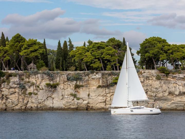 The best boat rental in Split, Croatia - amazing sail boat for rent.