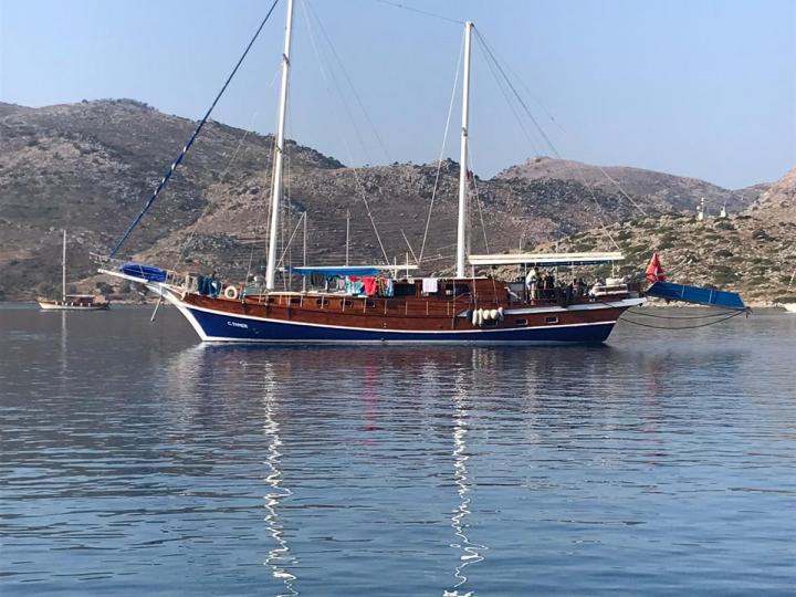This wonderful luxe gulet yacht is 25.m long and for 16 people