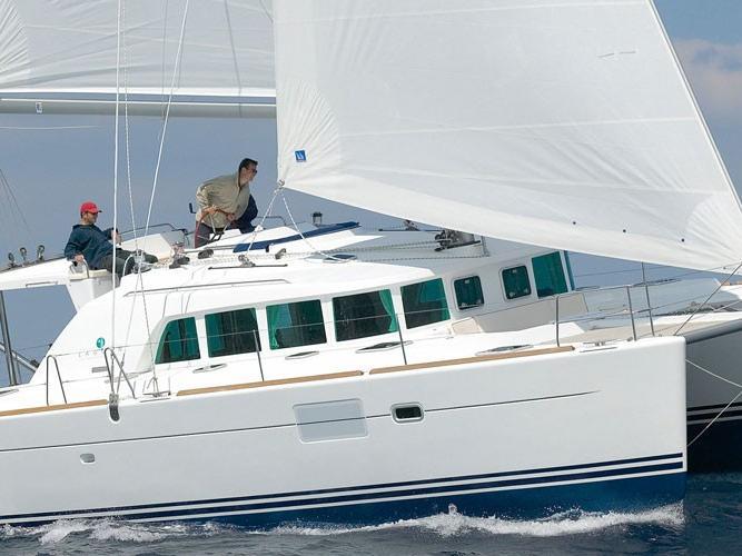 Catamaran rental in Road Town, BVI for 8 guests, 6 berths.