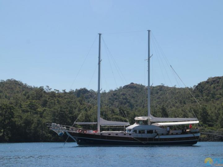 This wonderful deluxe  gulet sailing at the coasts of aegean and Mediterranean is 28 meters long and for 12 people.