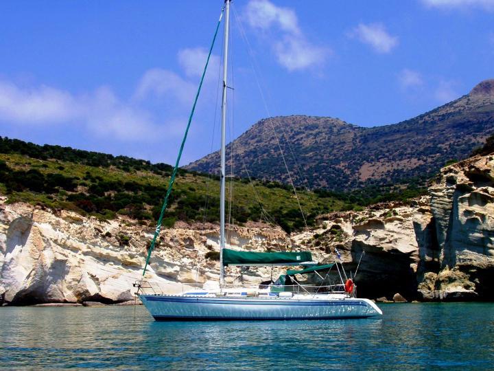 Kirki 38' sailboat in Milos