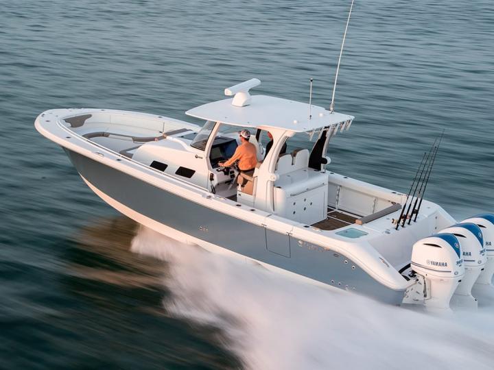 Sovereign Boat Club - Edgewater 370CC