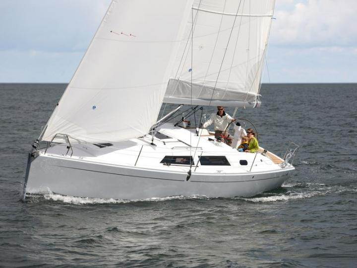 Discover boating aboard the 35ft Mala yacht charter in Zadar, Croatia - a 3-cabin boat for rent.