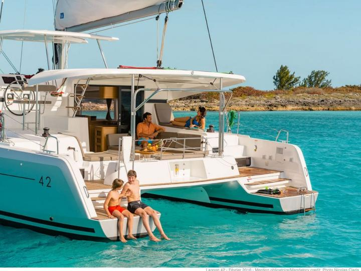 Charter a catamaran in Tortola, BVI - a perfect vacation on a catamaran for up to 8 guests.