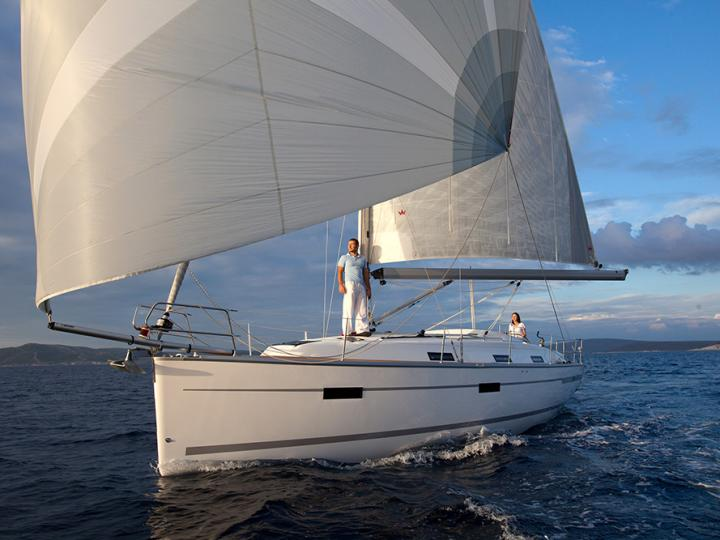 Sail on a beautiful rental sail boat in Lisboa, Portugal - the ultimate vacation trip on a yacht charter.