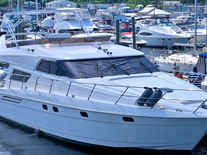 60ft Motor Yacht available in NY Metro Area