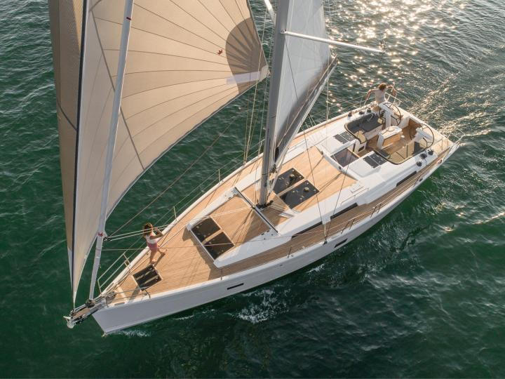 Yacht charter in Zadar, Croatia - an 8-guest sail boat for rent.