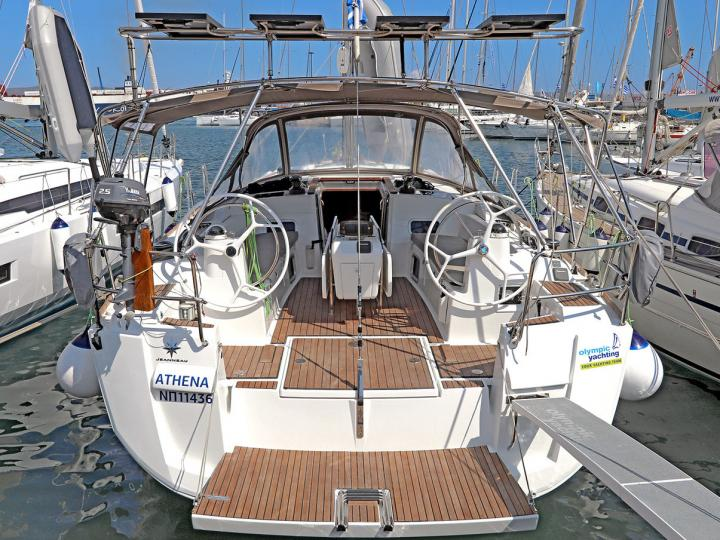 Sail the beautiful waters of Lavrio, Greece aboard a great boat for rent.