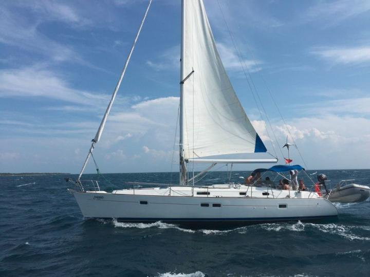 Rent a sailboat in Cartagena, Colombia and enjoy a boat trip like never before.