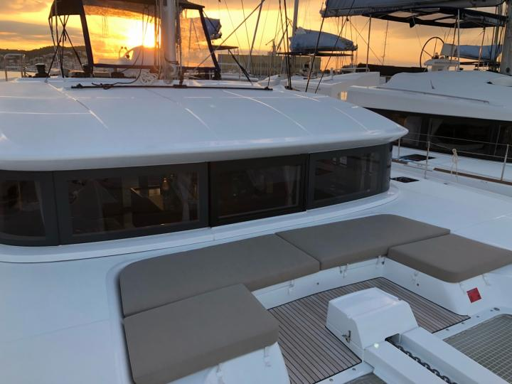 Private boat for rent for 12 guests in Road Town, Tortola, BVI. Sail the Caribbean Sea.