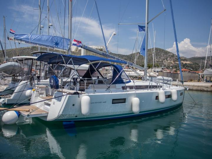 Fulfill your sailing dreams and rent a sailboat near Split, Croatia and enjoy a unique boat trip like never before.