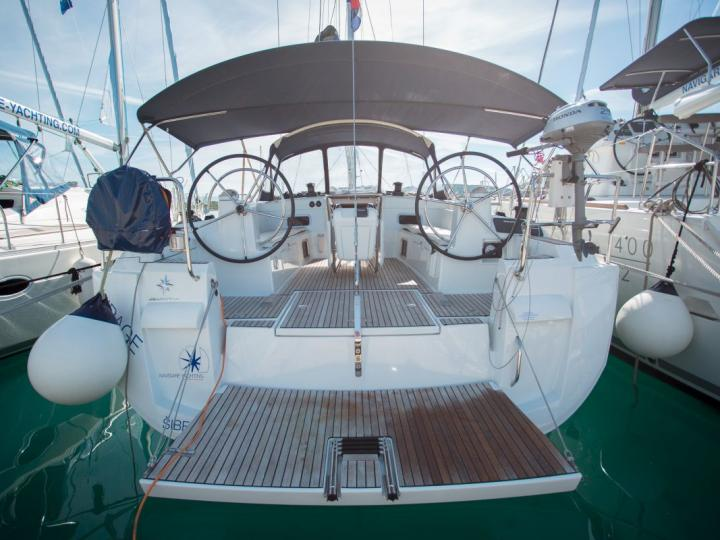 Private boat for rent in Dalmatia, Croatia for up to 8 guests.