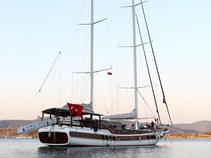 This wonderful luxury gulet sailing at the coasts of aegean and Mediterranean is 32 meters long and for 22 people