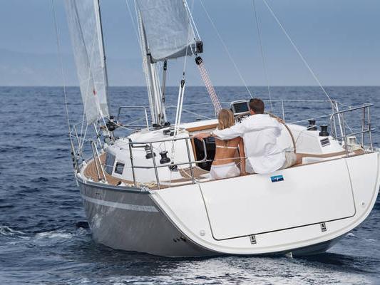 Rent a boat in Primošten, Croatia - enjoy an affordable yacht charter.