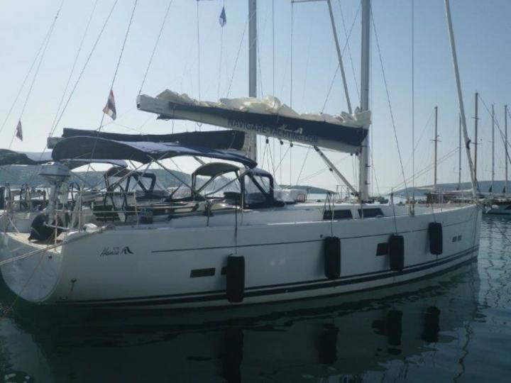 Private boat for rent in Split, Croatia for up to 10 guests.