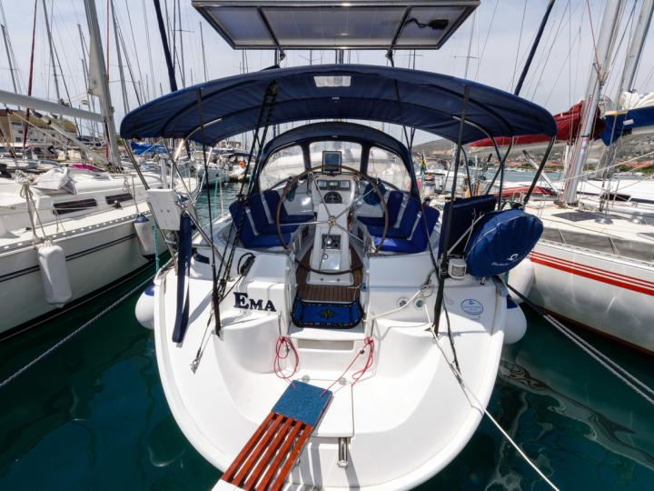 Top yacht charter in Trogir, Croatia - rent a boat for up to 6 guests.