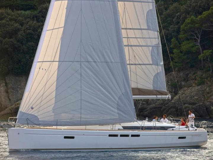 Mystral - a 52ft rent a boat in Trapani, Italy. Enjoy a great yacht charter for 10 guests.