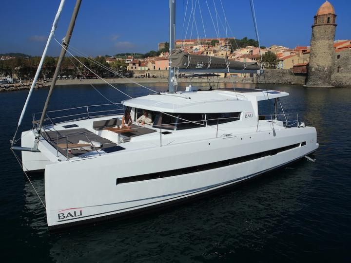 Cruise the beautiful waters of Grenada, Caribbean Netherlands, aboard this great catamaran for rent.