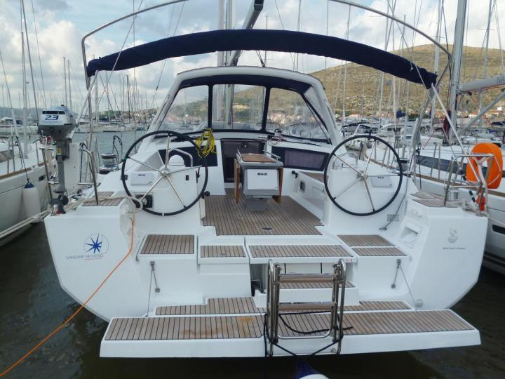 Boat for rent in Dubrovnik, Croatia. Enjoy a great yacht charter for 8 guests.