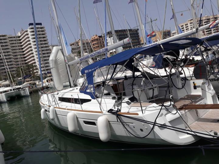 Sailboat for rent in Palma de Mallorca, Spain. Enjoy a great yacht charter for 8 guests.