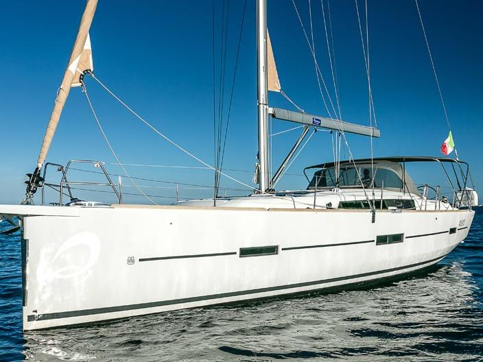Rent this amazing sail boat and discover sailing in Portisco, Italy.