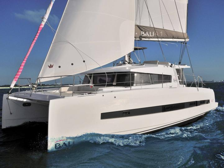 Top boat rental in Kalkara, Malta for up to 8 guests - discover sailing on a catamaran.