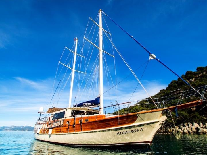 Boat rental in Fethiye, Turkey for up to 8 guests - discover sailing on a power boat.