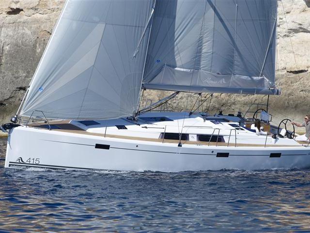 Rent a boat in Split, Croatia - the Argo Navis yacht charter.