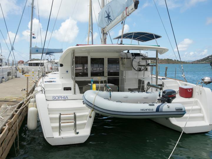 Top catamaran charter in Road Town, BVI - rent a 39ft. catamaran .